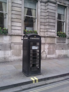 telephone-noir-londres