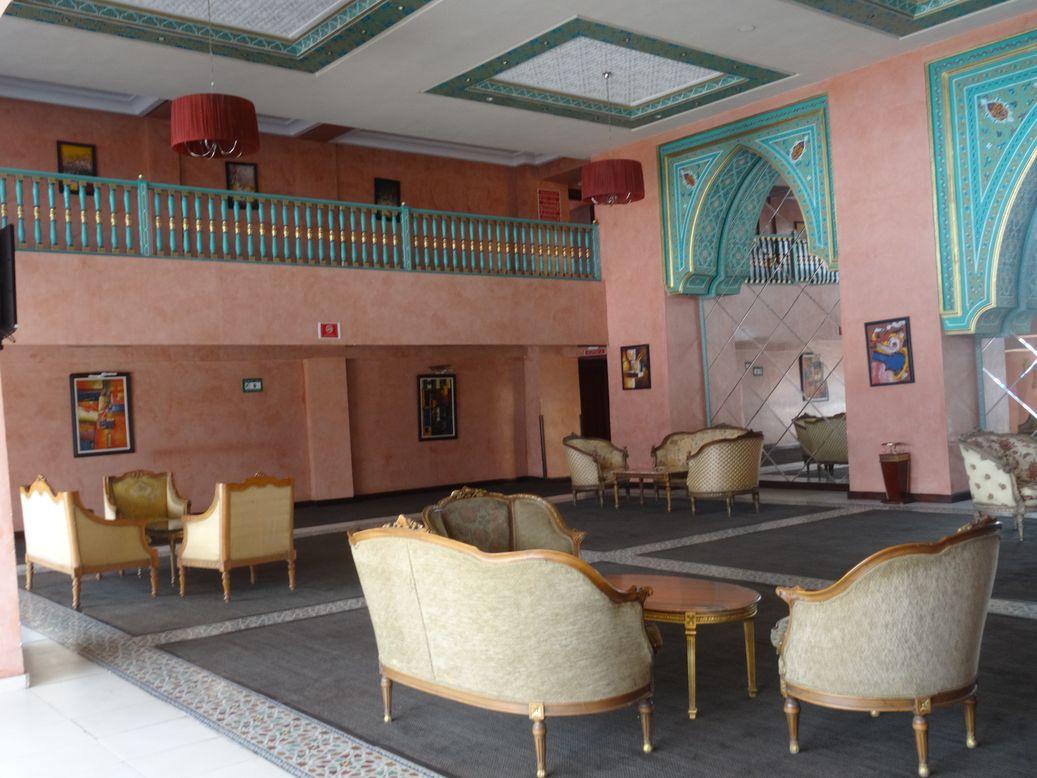 H tel pas cher marrakech avec piscine hammam wifi for Hotel marrakech pas cher avec piscine